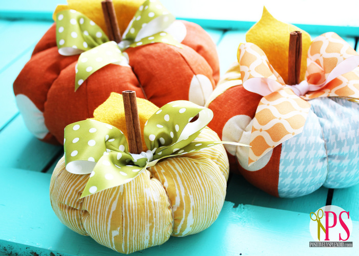 Tutorial and pattern: Fabric pumpkins in three sizes