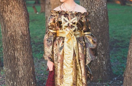 Tutorial and pattern: Medieval princess Halloween costume for girls