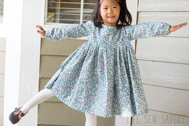 Tutorial and pattern: Sweet Rose Dress for little girls
