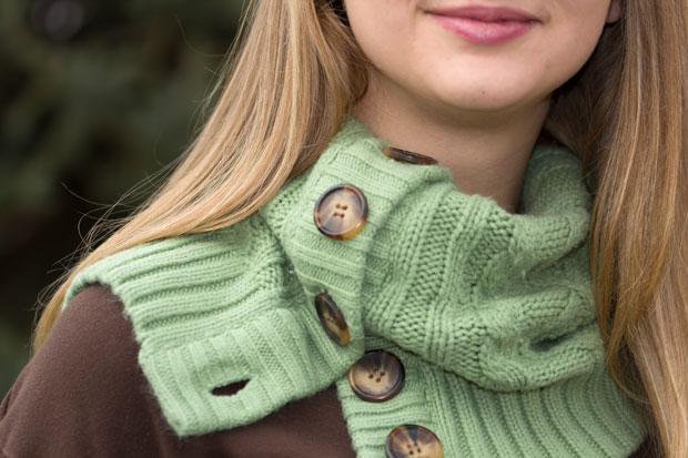 Video tutorial: Cardigan cowl and boot sock set from a sweater