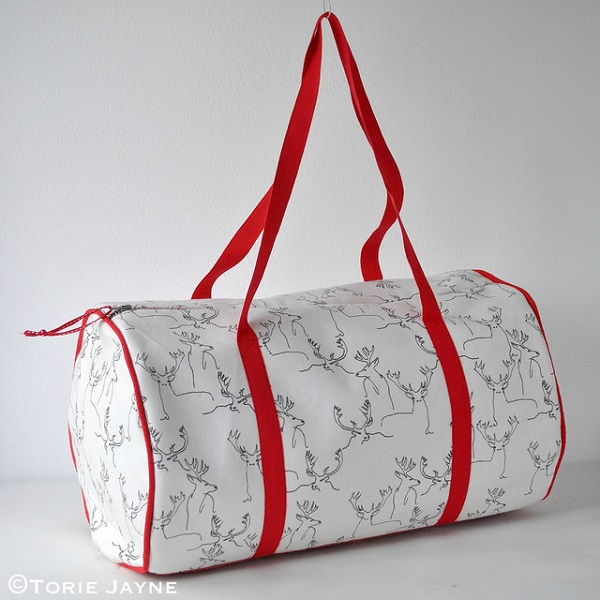 Tutorial: Duffel bag with piped seams