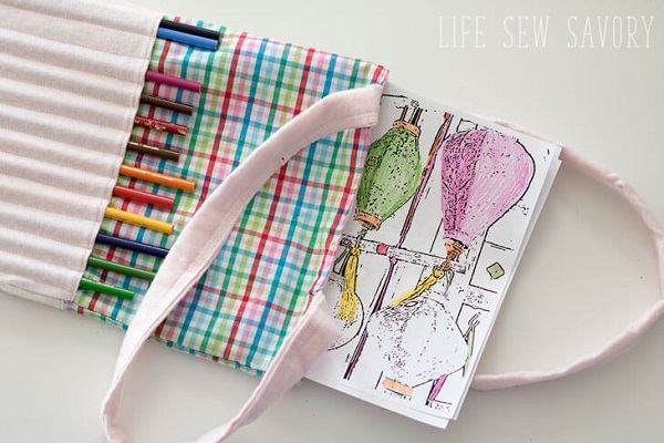 Tutorial: Kids art tote, plus how to make personalized coloring pages