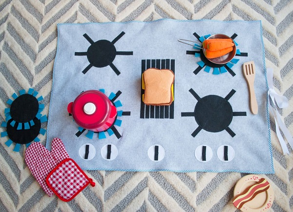 Tutorial: Felt stove kitchen play mat