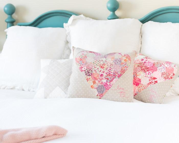 Tutorial: Reverse applique patchwork heart pillow