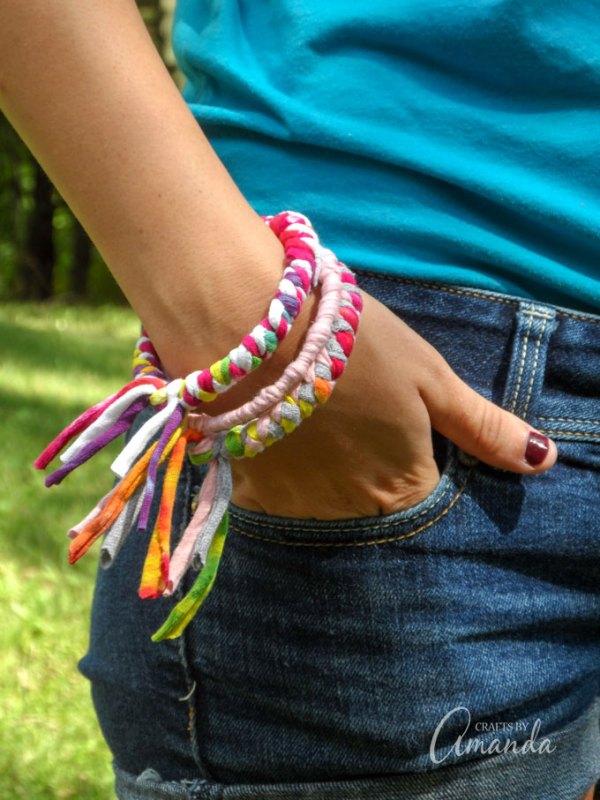 Tutorial: Upcycled t-shirt bangle bracelet