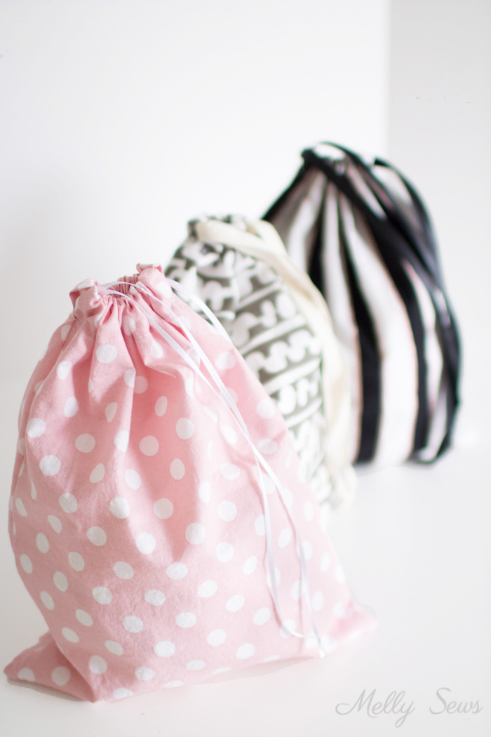 Tutorial: Simple drawstring bag for beginners to sew