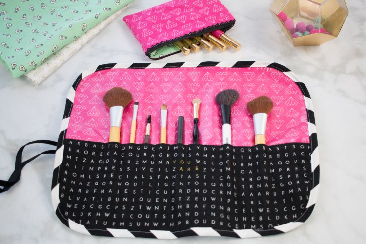 Sewing tutorial: Roll-up makeup brush travel organizer