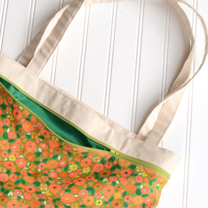 Sewing tutorial: Tote bag with a front zip pocket