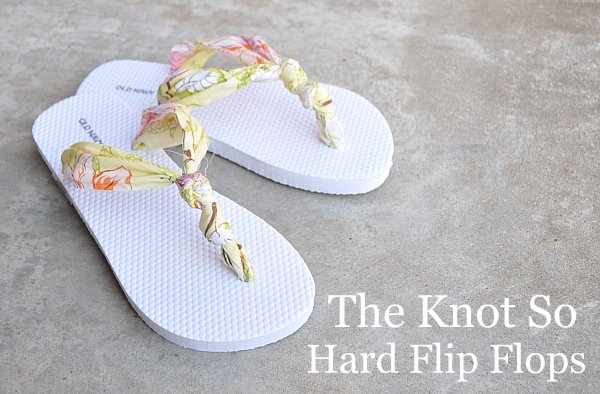 Tutorial: No-sew knotted fabric flip flops