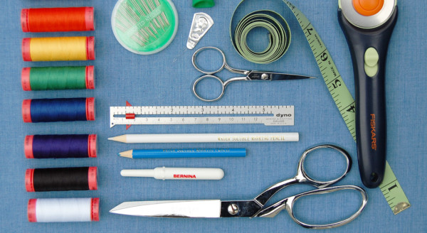 What you need in a basic sewing kit