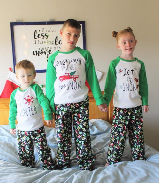 Free sewing pattern: Kids Christmas pajamas