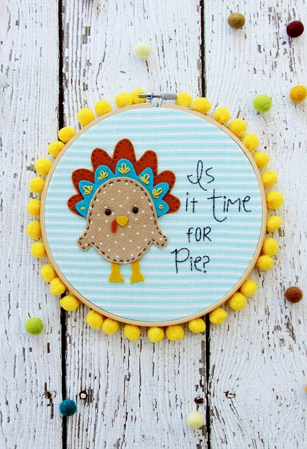 Free pattern: Thanksgiving Pie Embroidery Hoop Art