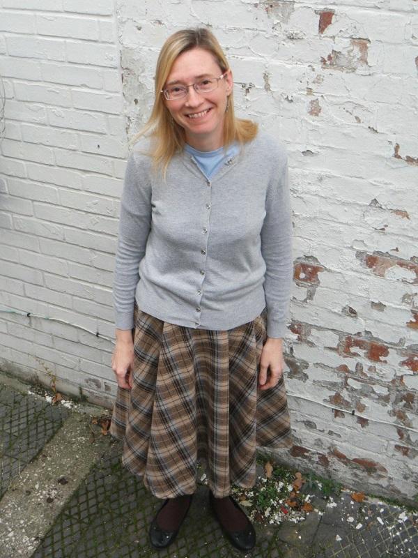 Sewing tutorial: Plaid wool circle skirt