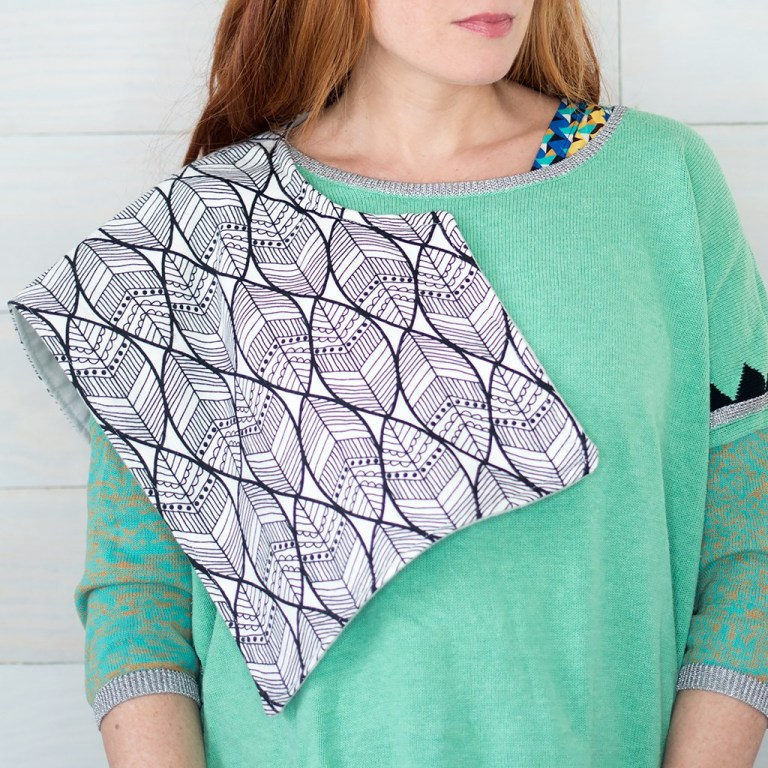 Sewing tutorial: Easy contoured burp cloth