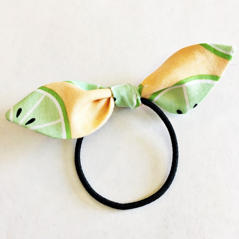 Sewing tutorial: Knotted bow hair tie
