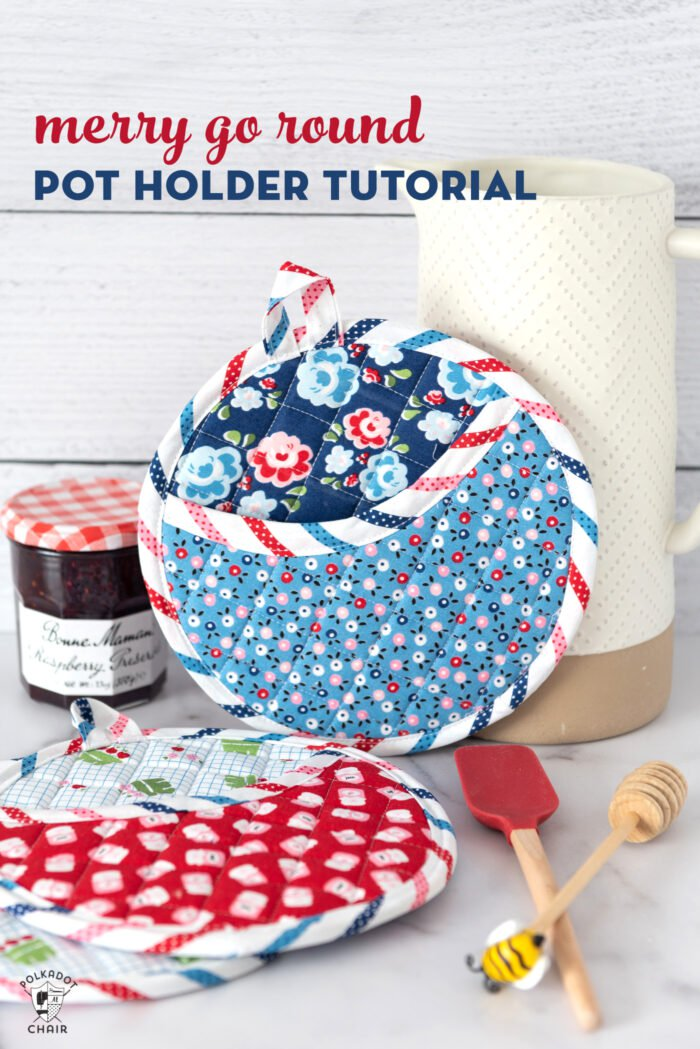 Free sewing pattern: Round pocket potholders