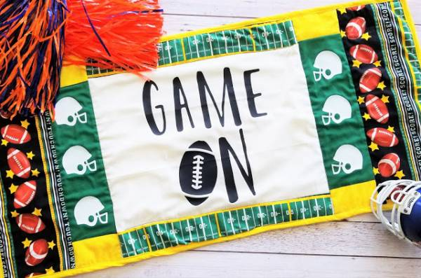 Sewing tutorial: Football table runner