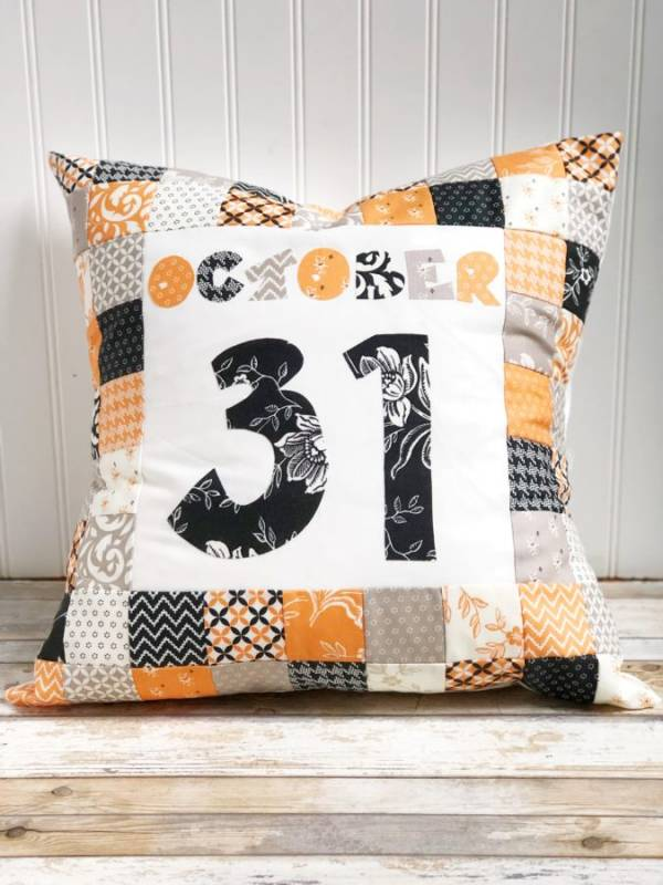 Sewing tutorial: Patchwork Halloween pillow