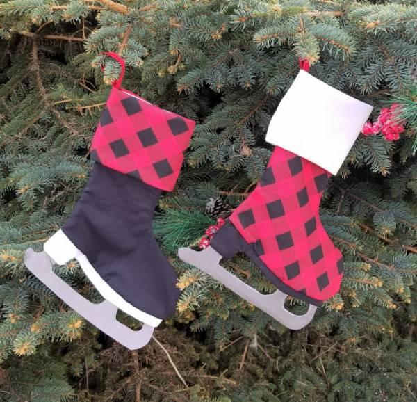 Free pattern: Ice skate Christmas stocking
