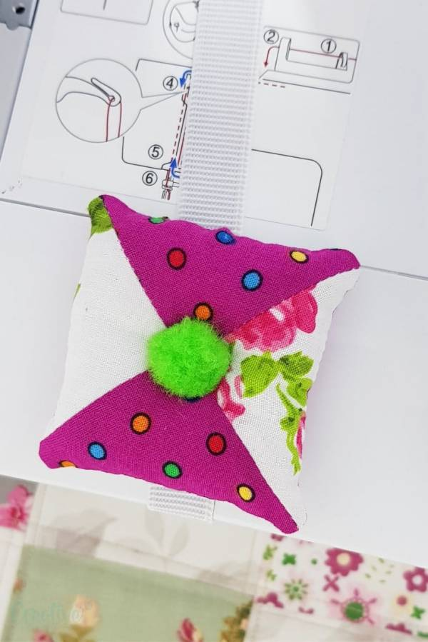 Sewing tutorial: Pincushion from fabric scraps