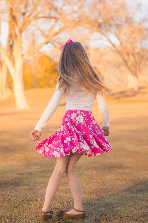 Sewing pattern: Twirly circle skirt for girls