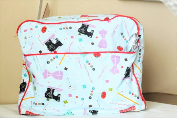Free sewing pattern: Sewing machine cover