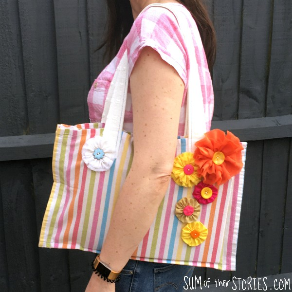 DIY sewing tutorial: Tea towel book bag with dividers