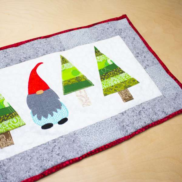 Christmas Gnome Table Runner - Free Sewing Pattern