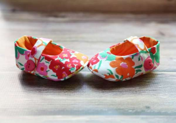 Mary Jane Baby Shoes - Free Sewing Pattern