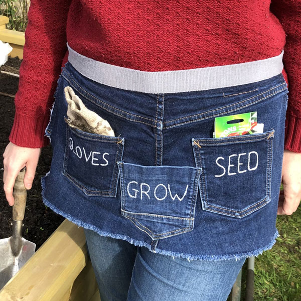 Upcycled Jeans Garden Apron - DIY Sewing Tutorial