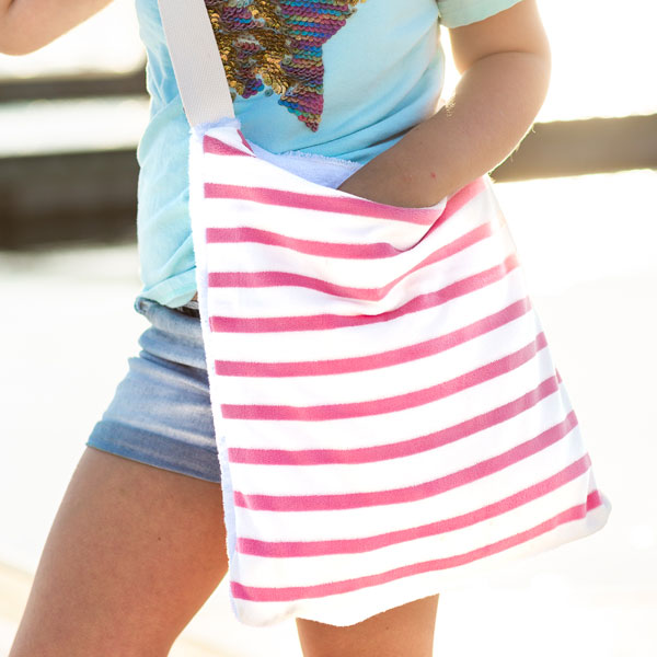 Sew a Beach Towel That Folds Up Into A Bag