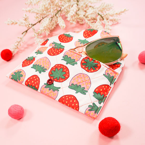 Easy Quilted Sunglasses Case - Free Sewing Pattern