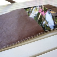 Second hand sewn leather project: Travel Ipad Case