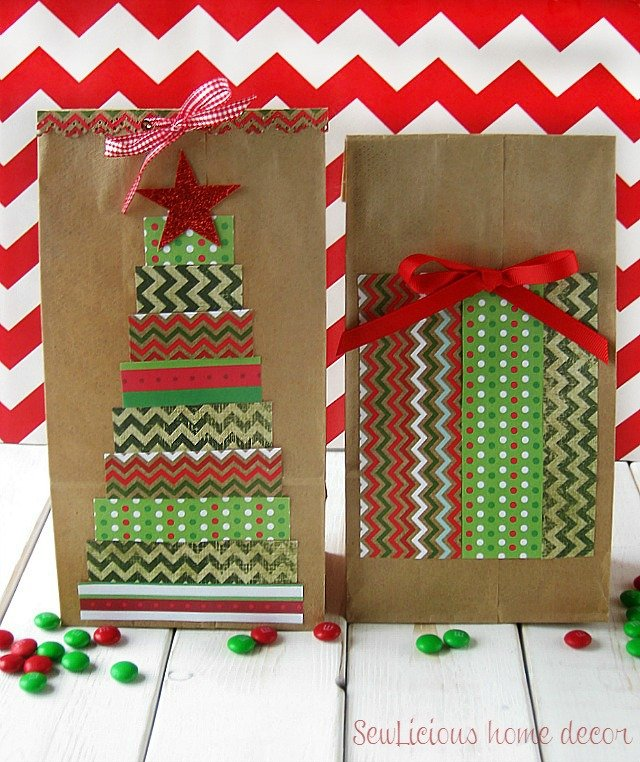 DIY Decorated Christmas Bags at sewlicioushomedecor.com