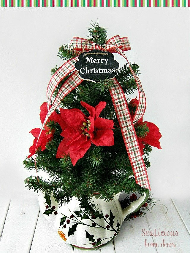 Easy Teapot Christmas Tree at sewlicioushomedecor.com