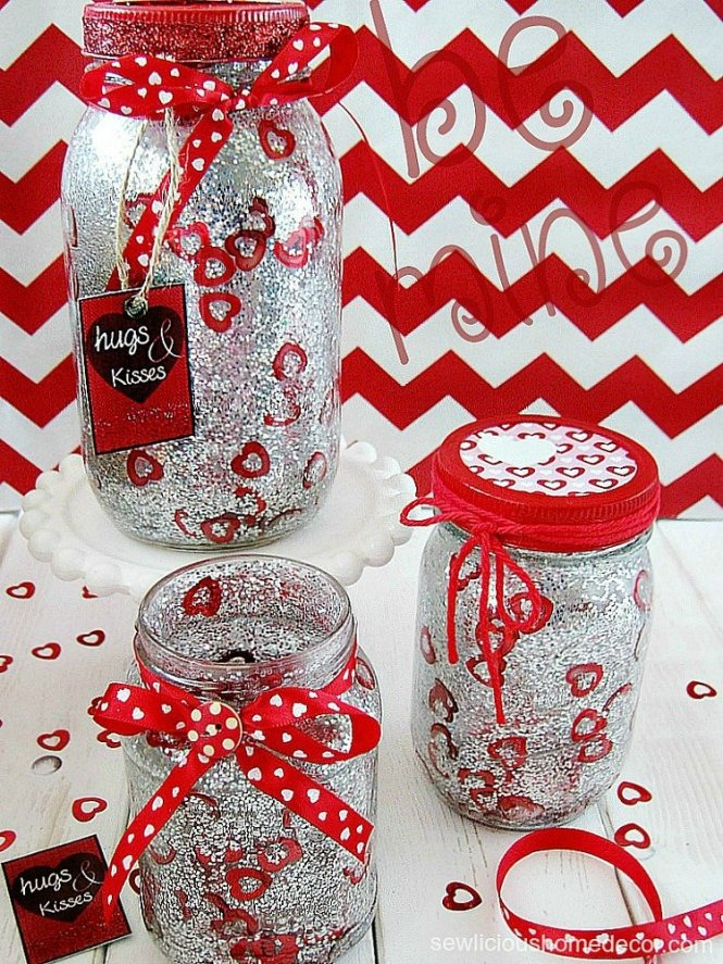 DIY Glitter and Confetti Valentine Jars with free printables sewlicioushomedecor.com