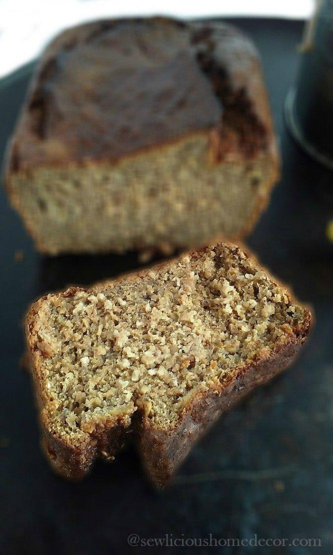 Skinny Cinnamon Applesauce Banana Bread sewlicioushomedecor.com