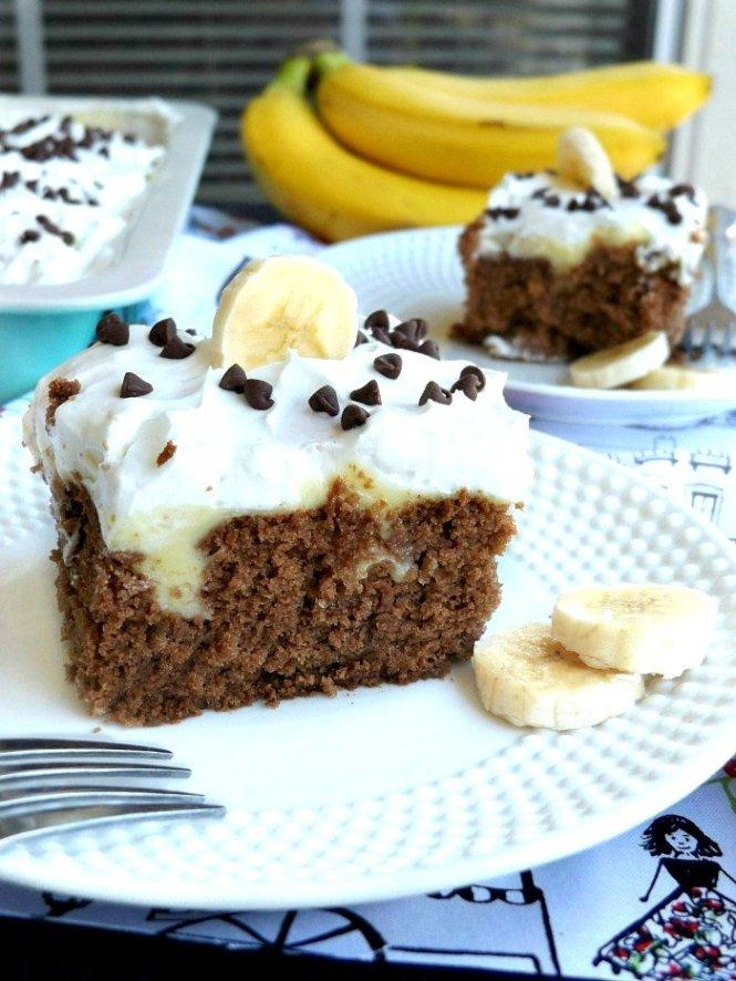 Chocolate Banana Pudding Poke Cake. Makes a perfect dessert for potlucks. sewlicioushomedecor.com