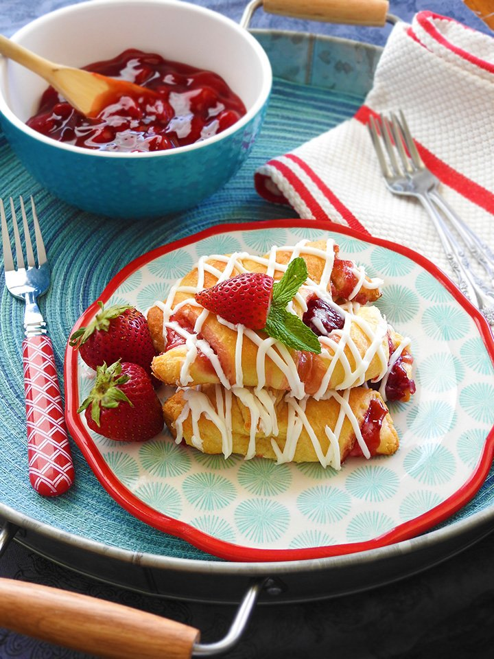 These are so good. Strawberry Cream Cheese Crescent Rolls at sewlicioushomedecor.com