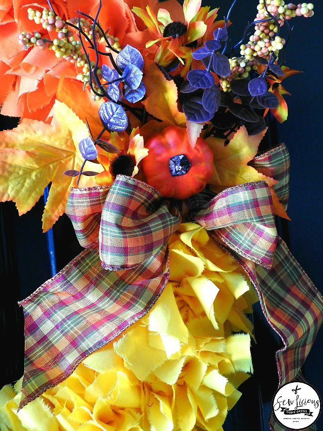 beautiful-fabric-candy-corn-wreath-sewlicioushomedecor-com