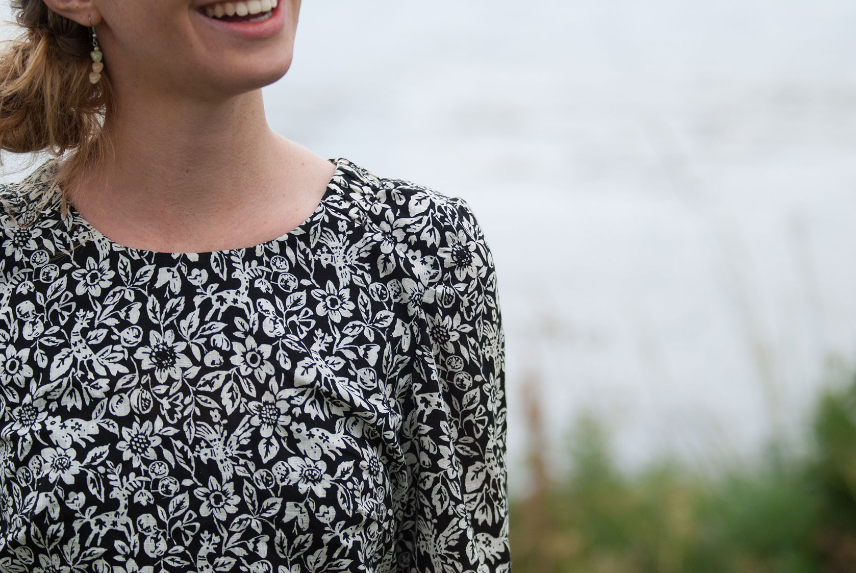 Two blouses, two unusual fabrics: The Everyday Blouse – Sew
