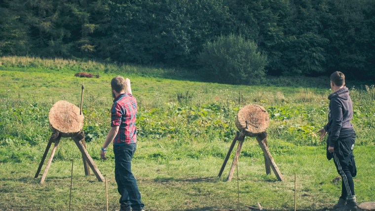 Good Life Experience 2017 Charlie Budd Axe Throwing and Archery-114