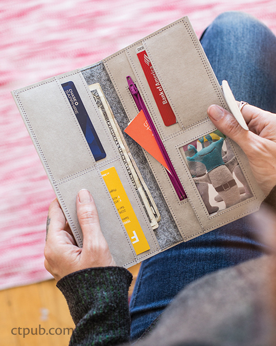 Free sewing pattern and video for how to sew this awesome Kraft Tex wallet.