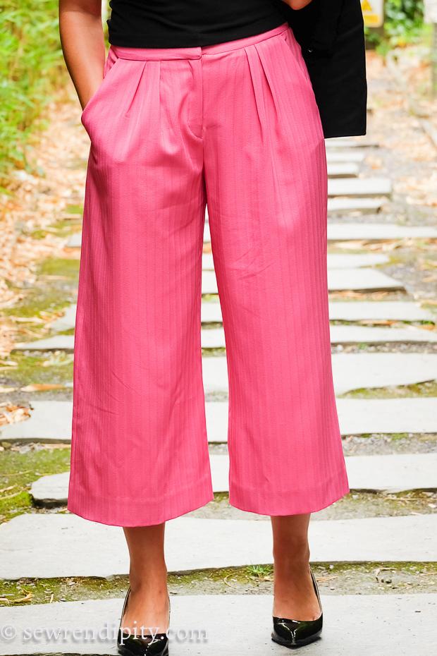 V9032 Pink Culottes (2016) #18.jpg