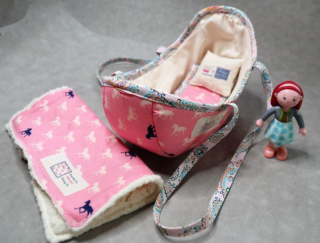 Doll bed - PuppenBett - SewSimple.de