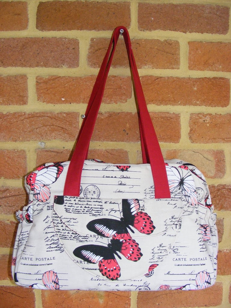 Fiona made her bag in beautiful text-and-butterfly print fabric! Where is  everyone getting these awesome text fabrics from across the pond, cause  they are ... c6bb042d42