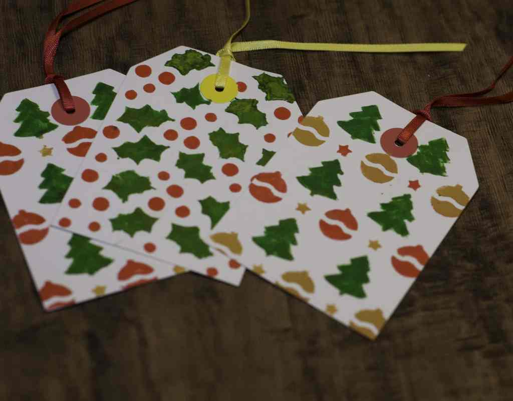 Stenciled Gift Tags - Super Simple Christmas Gift Tags to Make