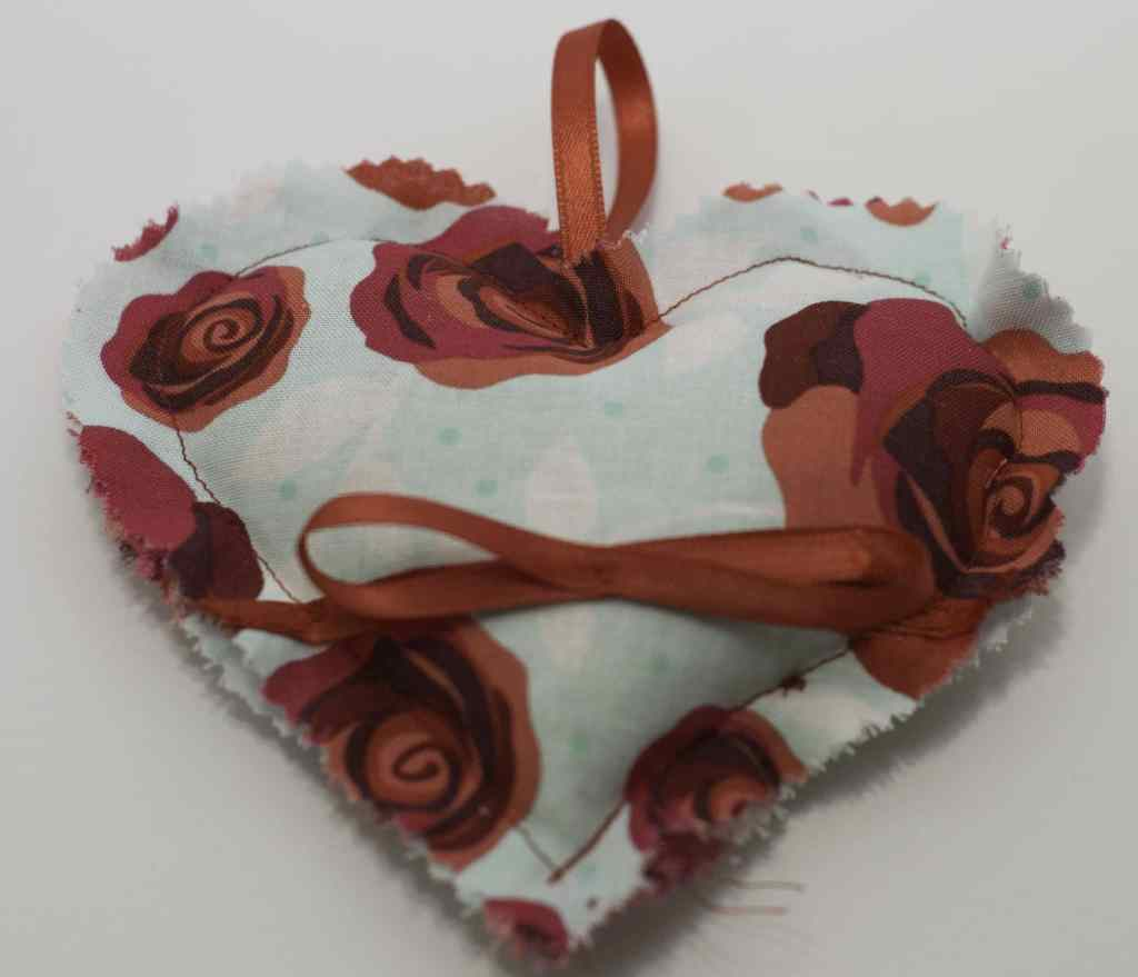Finished Pinking Shears and Red Ribbon Sachet for DIY Heart Sachet, DIY Heart Sachet