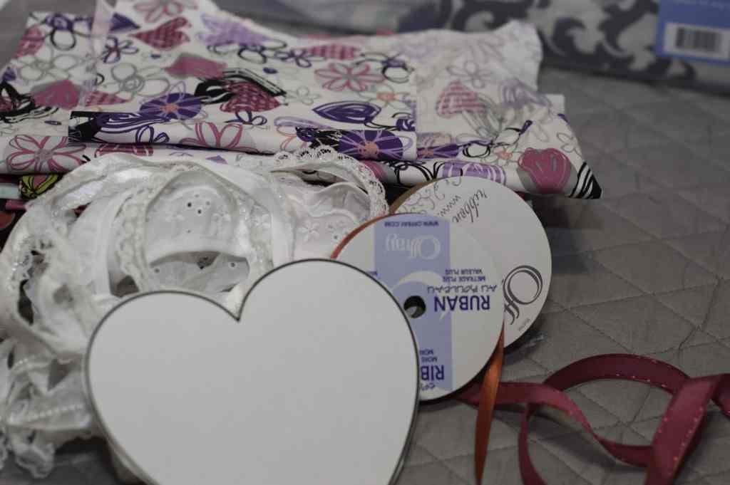 Items to make DIY Heart Sachets, DIY Heart Sachet