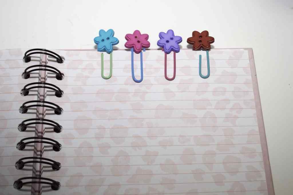 Button-Paperclip-1024x681 Springtime Button Bonanza